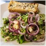 Visquiche en Salade van jonge doperwtjes
